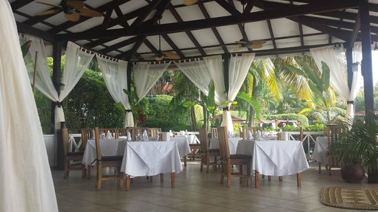 Ti Kaye Resort & Spa: Part of the main restaurant