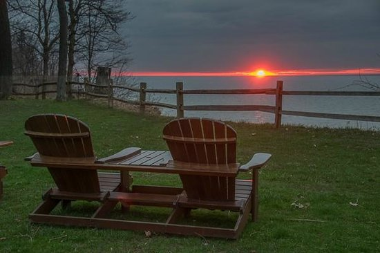 Lakeview on the Lake: Sunset over Lake Erie