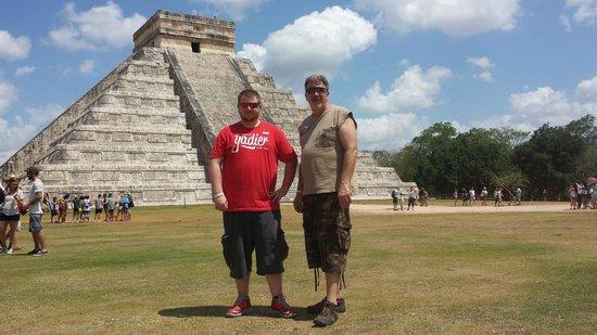 Krystal Cancun: Day trip to Chichen Itza