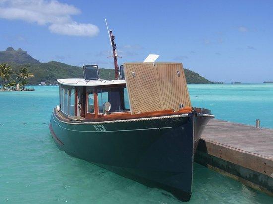 Four Seasons Resort Bora Bora: 空港からの送迎ボート