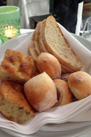 Piccolo Ristorante : Divine bread basket
