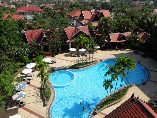 Borei Angkor Resort & Spa: view of the pool from our room's terrace