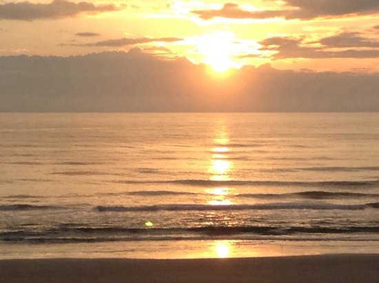 La Quinta Inn & Suites Oceanfront Daytona Beach: Beautiful sunrise