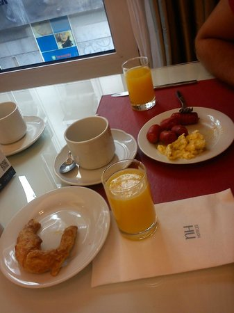 NH Buenos Aires Crillón: Desayuno