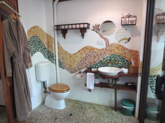 Garden Burees : Bathroom
