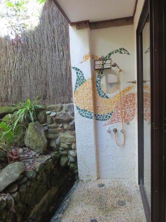 Garden Burees : Outdoor shower