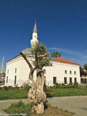Port Bodrum Yalikavak: Une des mosquée