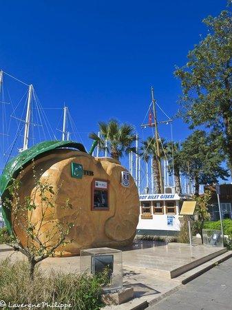 Port Bodrum Yalikavak: Le long de la marina