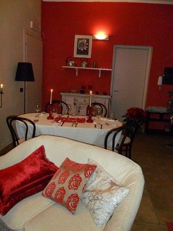 Cucina Rossa Con Camino Foto Di Il Giardino Di Emilio Terralba Tripadvisor