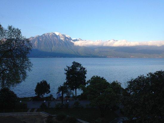 Hotel Royal Plaza Montreux : vue depuis le balcon au réveil