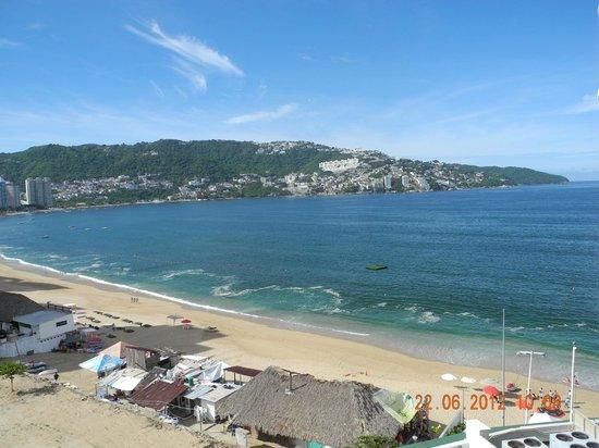 Calinda Beach Acapulco: Vista desde la habitación