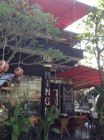 Mingle Cafe Bar