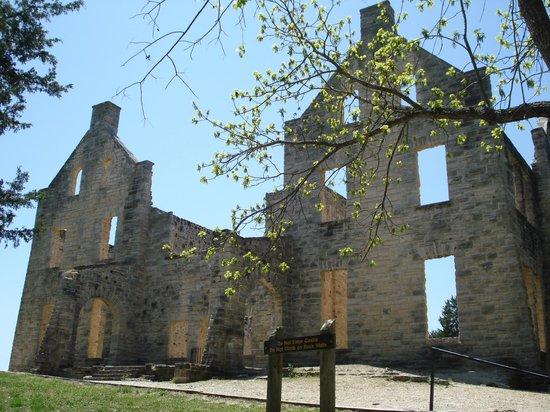 Ha Ha Tonka State Park: Ha Ha Tonka Castle Ruins