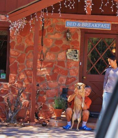 Sedona Bear Lodge: The lovely hosts!