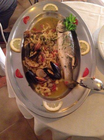 La Zagara Bianca: Fresh sea bass with pasta.