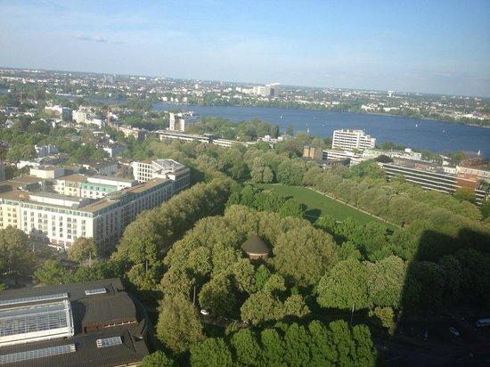 Radisson Blu Hotel, Hamburg: Great views from 25th floor