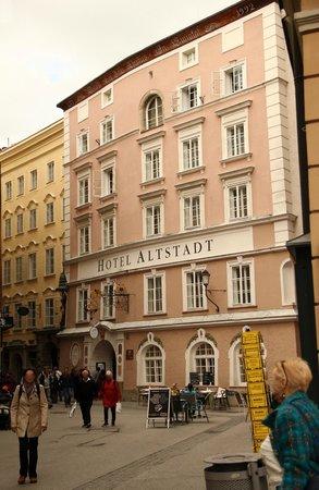 Radisson Blu Hotel Altstadt, Salzburg: Hotel von außen