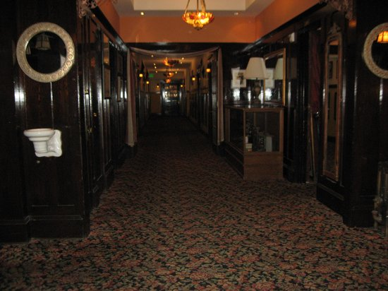 Glen Tavern Inn : first floor