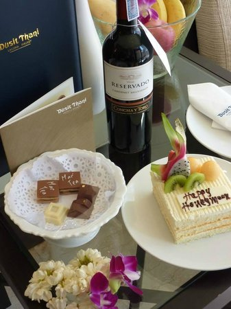 Dusit Thani Laguna Phuket : Honeymoon welcome goodies!