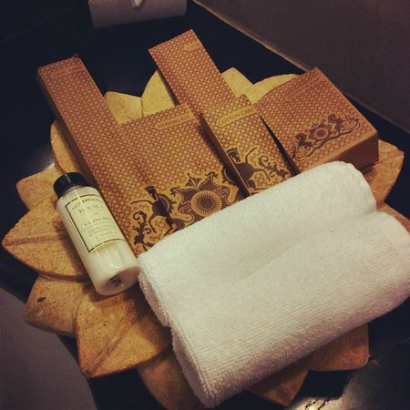 Suryagarh : amenities in the bathroom