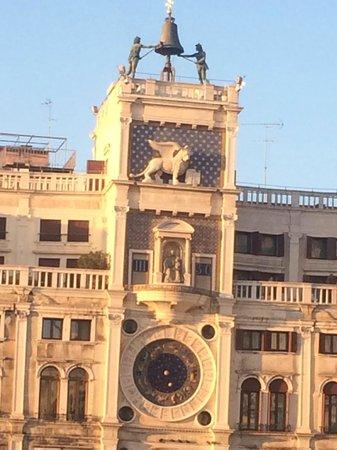 Piazza San Marco (Plaza de San Marcos): В лучах солнца