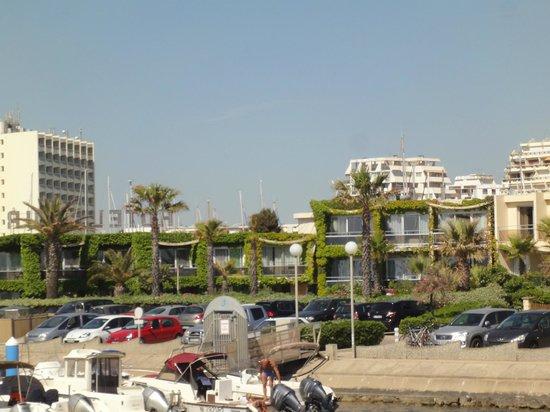 Hotel Azur: L'arrière de l'hôtel