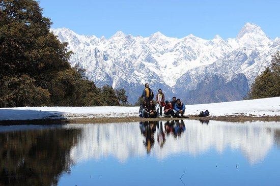 Devi Darshan Lodge: Trekking to Gorson Bugyal