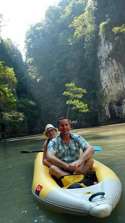 Two Sea Tour: Canoeing at Panak & Hong Islands