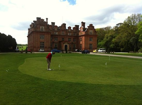 Broome Park Golf Club: Een zicht op de statige mansion van Lord Kitchener