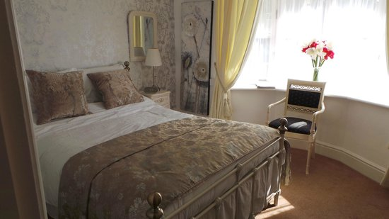 Hadley House: Room 2