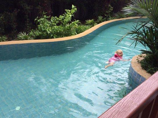 Arinara Bangtao Beach Resort: Garden pool access
