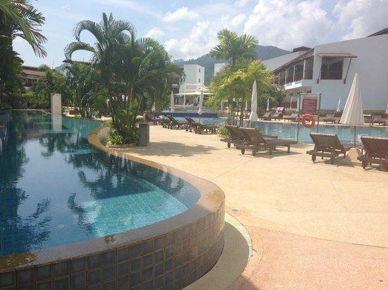 Arinara Bangtao Beach Resort: Pool view pool access