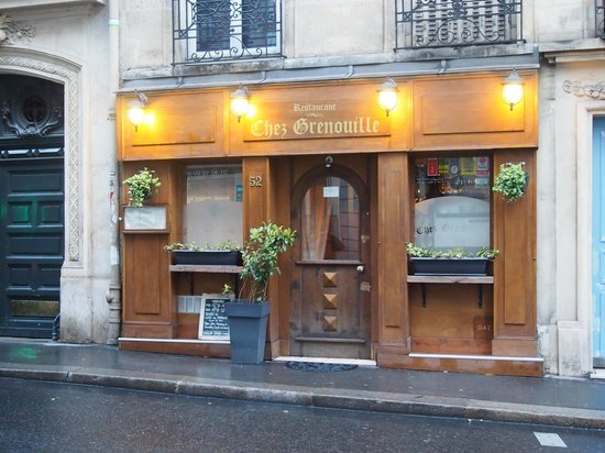 Chez Grenouille: the exterior