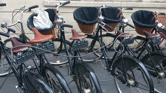 Tally Ho! Cycle Tours : our cool rides parking in front of the pub
