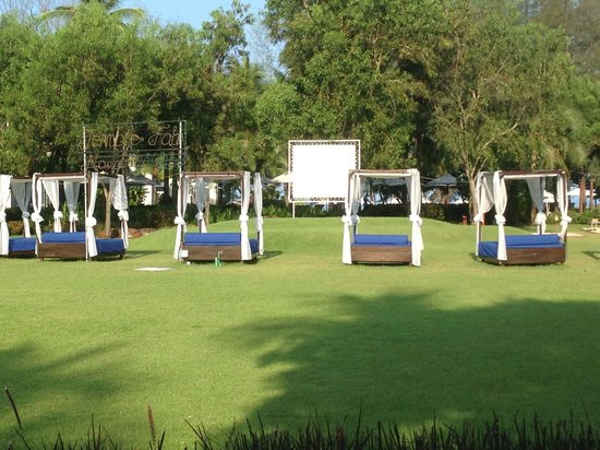 Holiday Inn Phuket Mai Khao Beach Resort: Movie Area