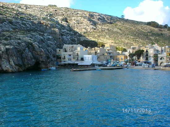 The Stone Crab: Blick zum Restaurant Stone Crab über die Bucht von Xlendi