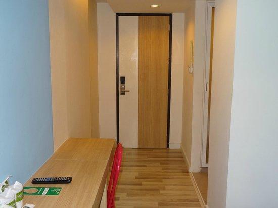 Nantra Ploenchit Hotel : 入り口