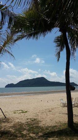 Terra Selisa Dolphin Beach Resort Hua Hin: Dolphin Bay beach