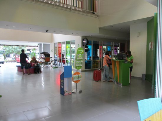POP! Hotel Sangaji Yogyakarta: Lobby View