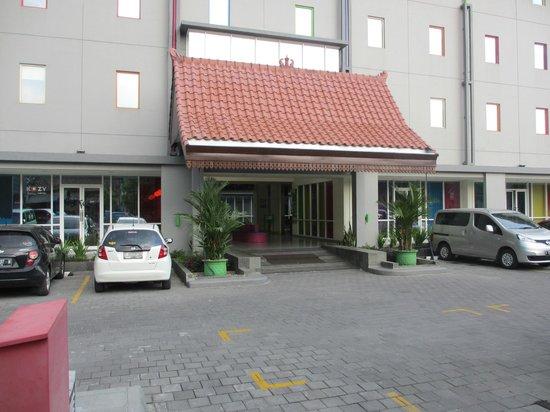 POP! Hotel Sangaji Yogyakarta: Entrance