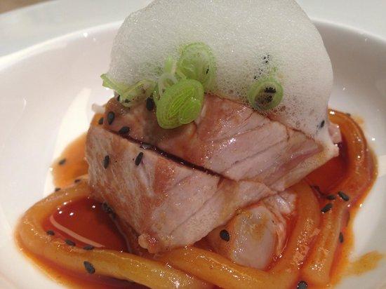 Nu Restaurant: Tataki de atun rojo y fideos agridulces