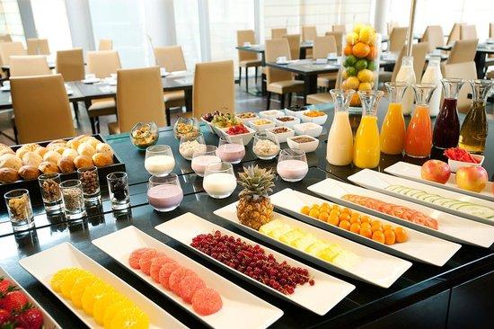 NH Berlin Potsdam Conference Center: Buffet Breakfast