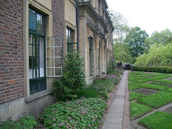 Eltham Palace and Gardens : External