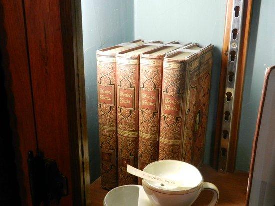 Larnach Castle & Gardens: Goethes Werke