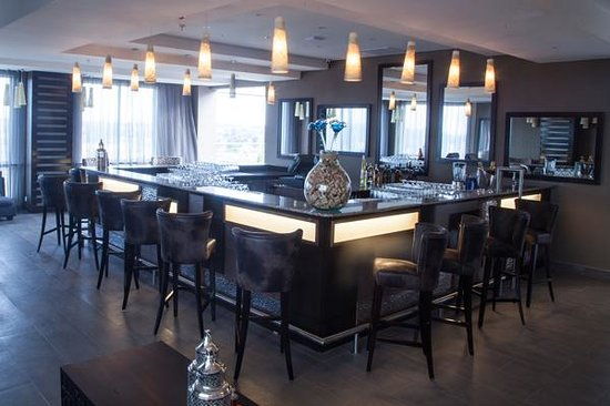 Protea Hotel by Marriott Lusaka Tower: Cloud 9 Bar