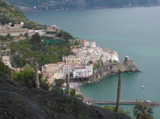 Le Palme: Vista di Amalfi dalla terrazza