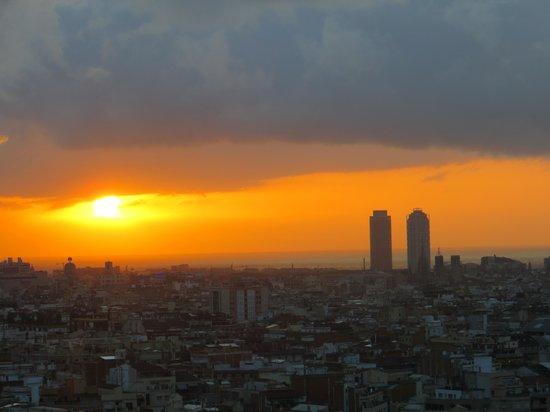 Gran Hotel Torre Catalunya : Lever de soleil depuis la chambre