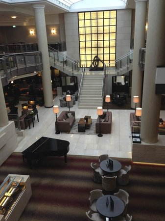 Hilton Berlin: Reception  Area
