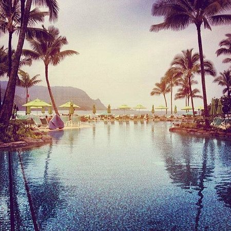 St. Regis Princeville Resort: poolside