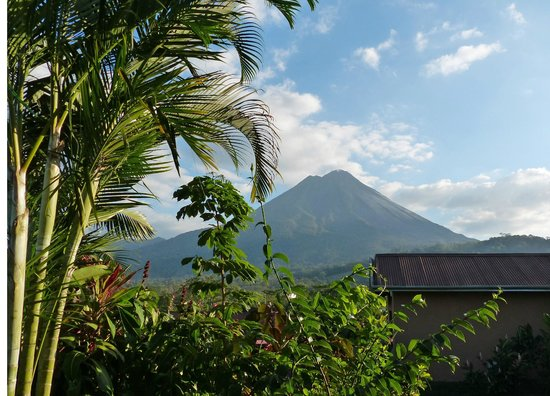Arenal Springs Resort and Spa : Mt. Arenal from Bedroom